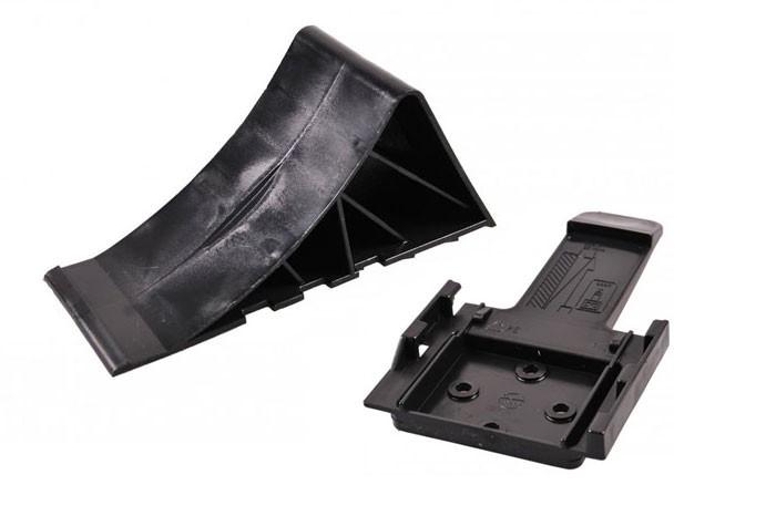 Unterlegkeil mit Halter Bremskeil in schwarz aus Kunststoff