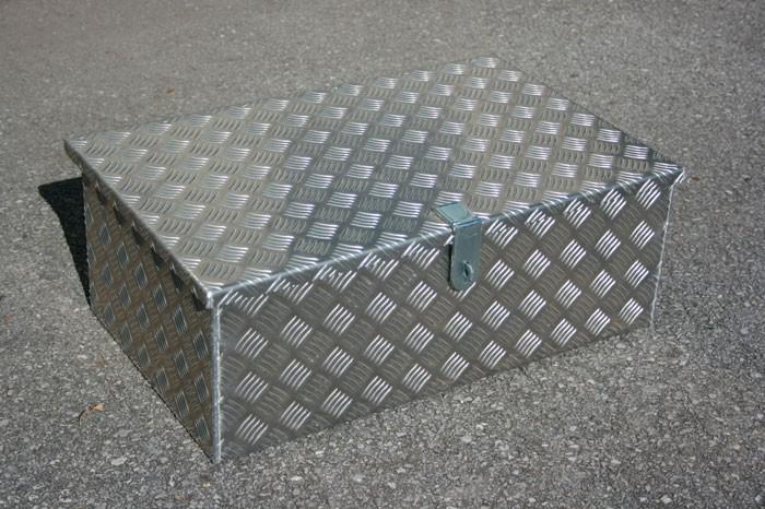 Alubox Riffelblechkiste B=690 x T=400 x H=250 mm